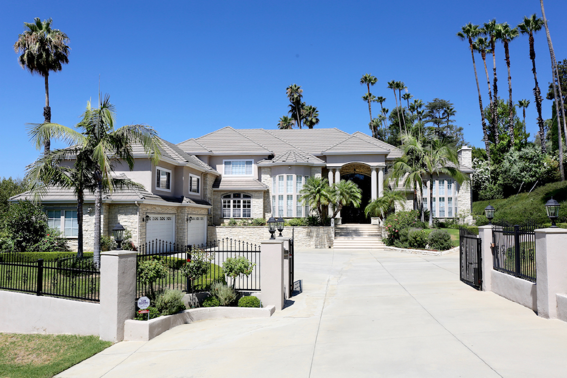 1907 Country Lane, Pasadena CA: