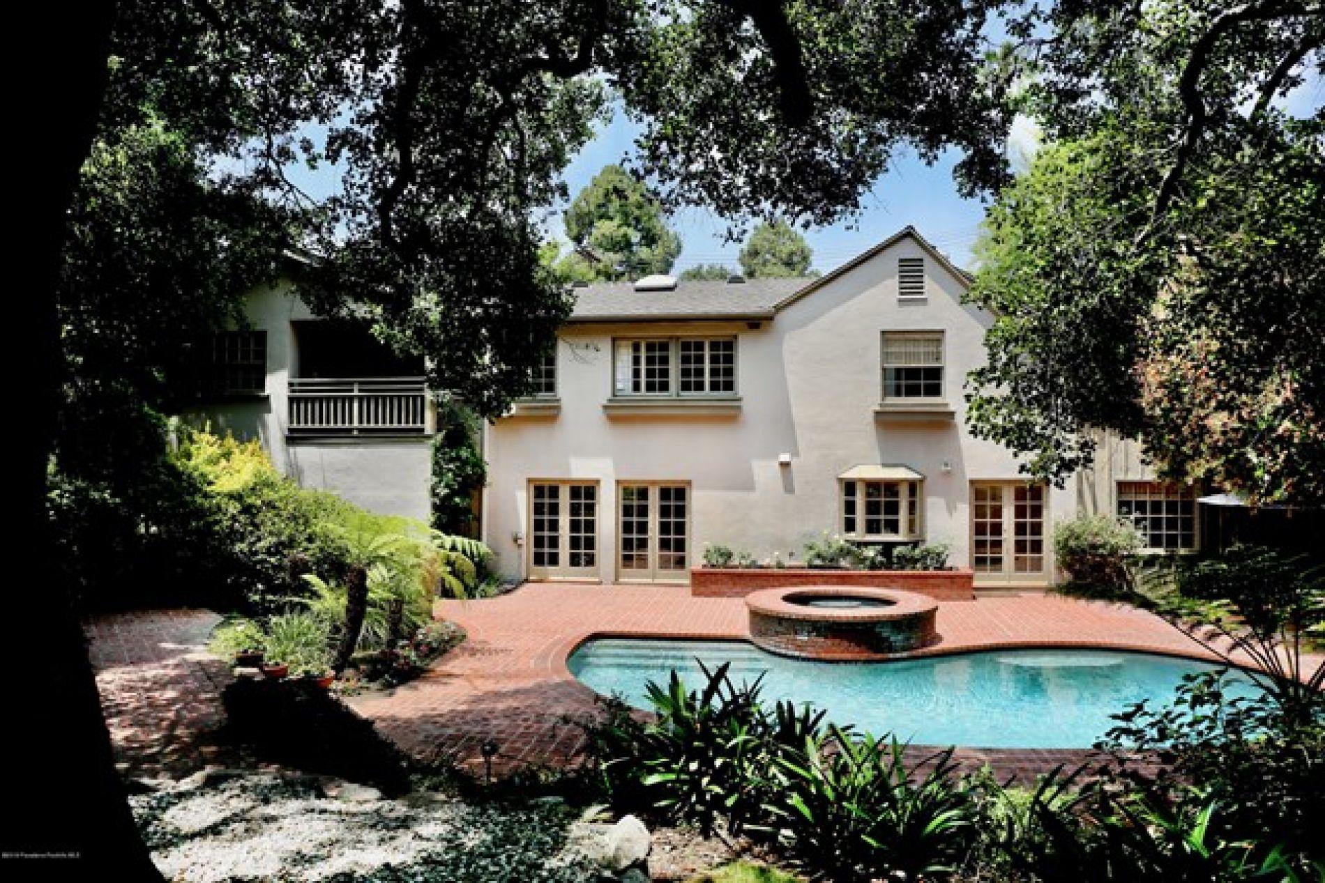 1046 Lagunita Road, Pasadena CA: